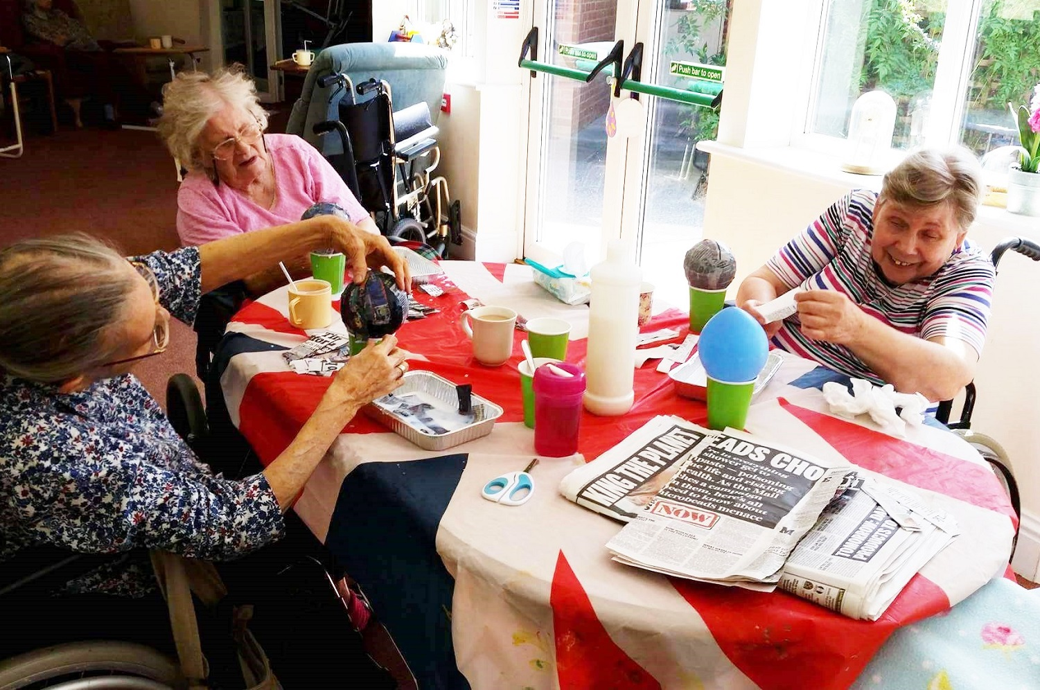 Inglefield Residents Get Arts & Crafty!